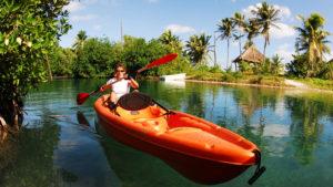 que hacer en Mahahual : kayak en el manglar