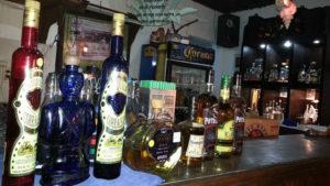 botellas de tequila en el restaurante Fernando Agave